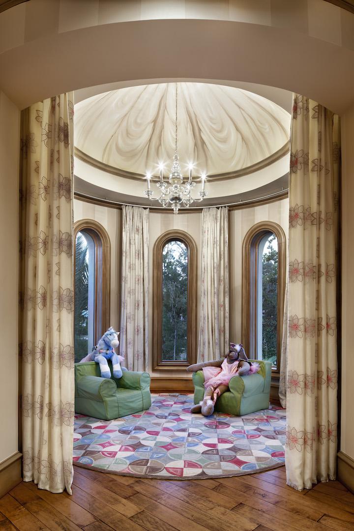 Modern Italian Sliding Etched Glass Door: Jauregui Architects